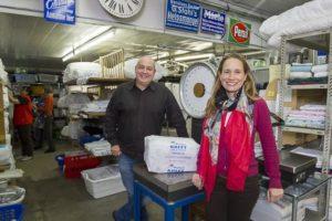 Sandra und Alexander Schwenk setzen mit ihrere Wäscherei auf Integration.