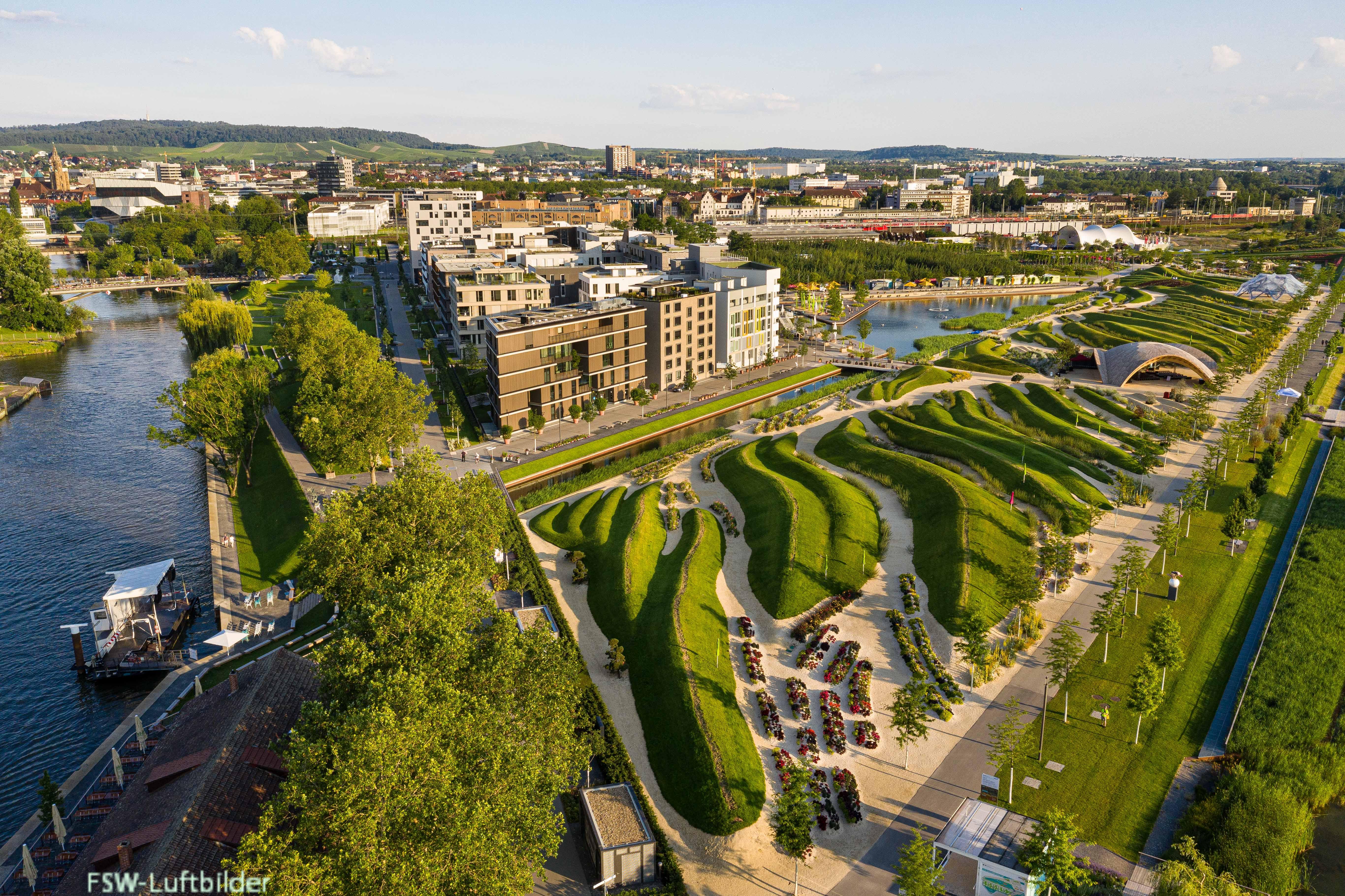 Luftbild des Bundesgartenschau-Geländes bei gutem Wetter. Foto: BUGA Heilbronn 2019 GmbH/Westenberger