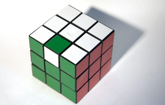 Ein Zauberwürfel (Rubik's cube)