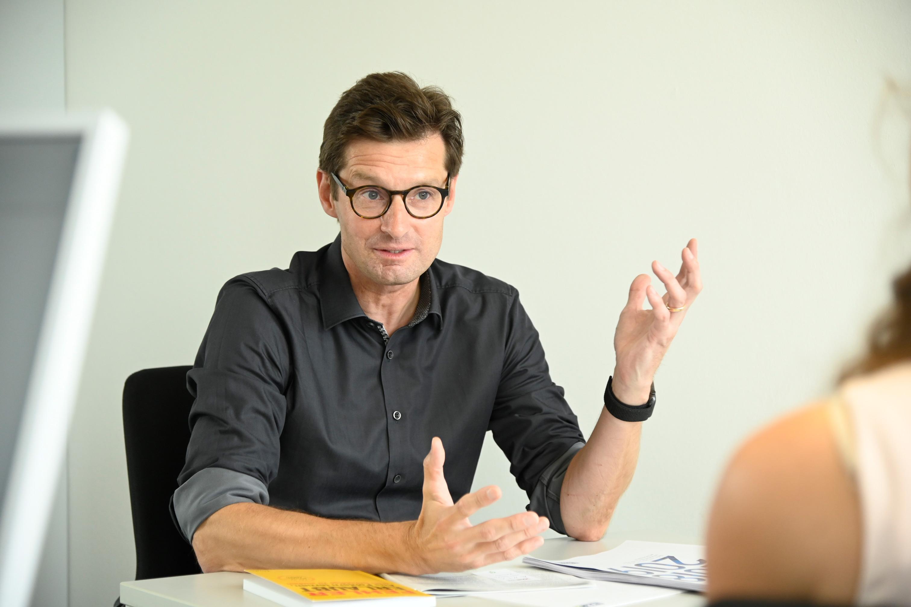Christoph Beyer im Gespräch. Foto: Paul Esser