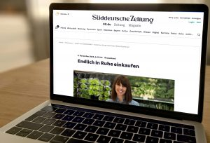 Foto eines Laptops, auf dem Sueddeutsche.de und der Artikel aufgerufen ist.